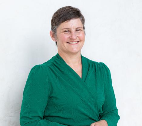Dr Karen Mizia